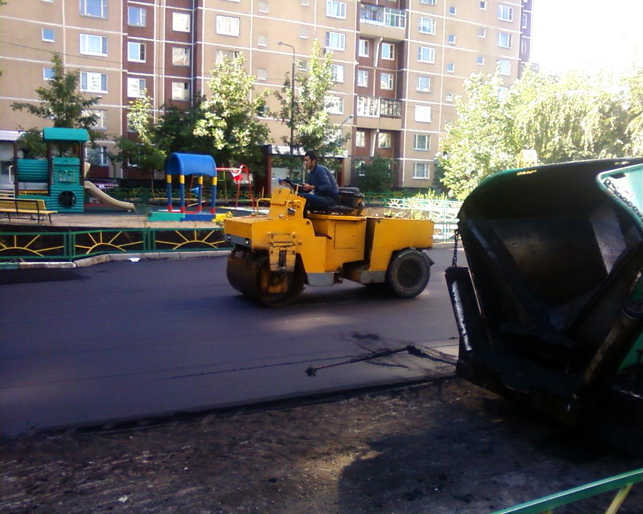 Асфальтування майданчиків, укладання асфальту, асфальтування доріг, будівництво доріг, ямковий ремонт, дорожні роботи, ремонт доріг