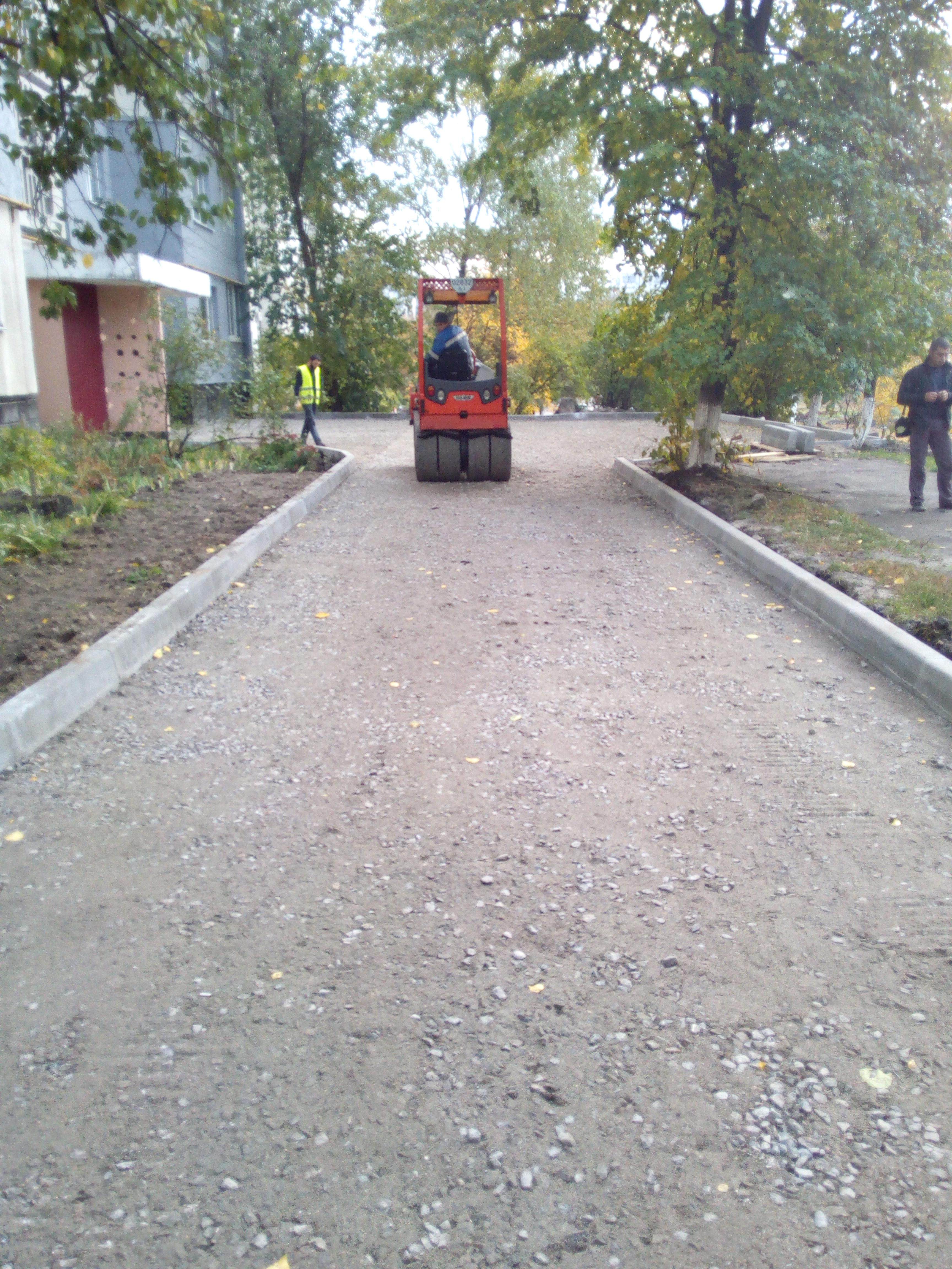 Асфальтирование двора частного дома